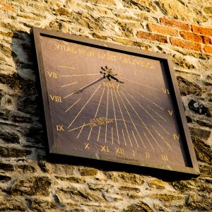 Sundial on Kingfisher Barn