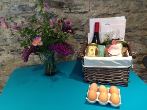 Hamper & Flowers