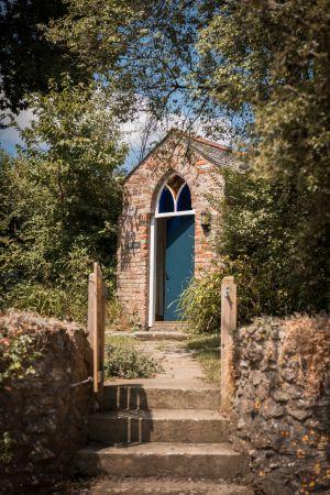 Entrance to Kingfisher Barn garden