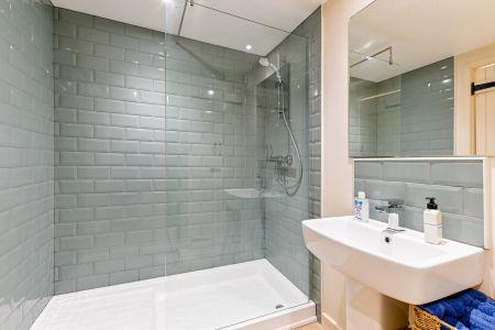 Boot Room Bathroom 3